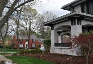 The estimated median house or condo value was $219,346 in 2010 which is nearly $40,000 greater than the value in 2000. The average median value for houses and condos across Ohio is $127,600, meaning that the house market in Oakwood is slightly less than double that for the state of Ohio.